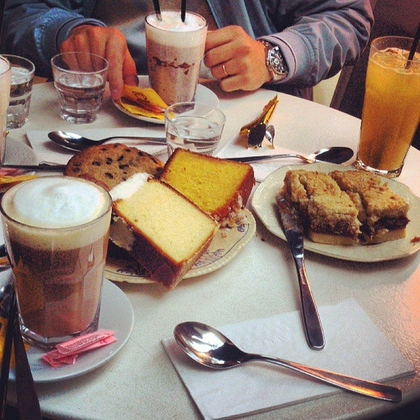 Photo taken at Mark's Deli & Coffee House by Eduardo L. on 6/30/2013