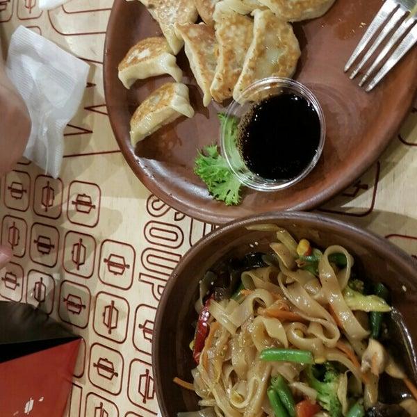 Снимок сделан в Woka Asia Food пользователем Анна М. 4/17/2016