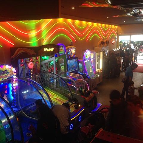 4/15/2018 tarihinde Ersin K.ziyaretçi tarafından Fantasyland Oyun Merkezi & Coffee'de çekilen fotoğraf
