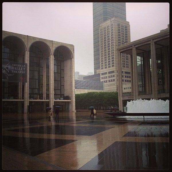 5/19/2013にDeanne B.がLincoln Center for the Performing Artsで撮った写真