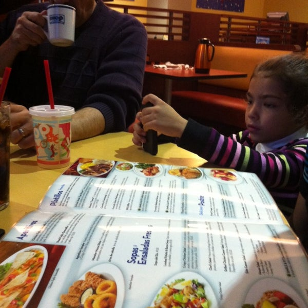 Photo taken at IHOP by Pily G. on 11/23/2013