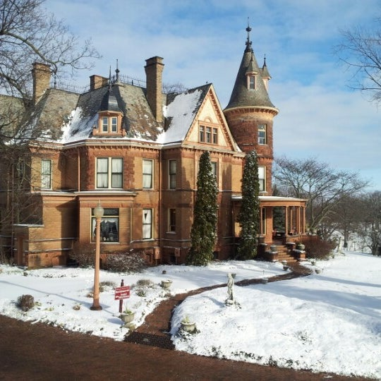 Bed And Breakfast Kalamazoo Castle