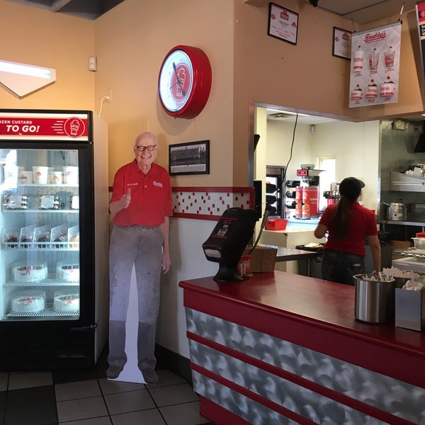 Photo taken at Freddy's Frozen Custard and Steakburgers by Sarah F. on 5/31/2016