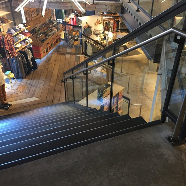 Urban outfitters princeton nj for Interno 5 urban store