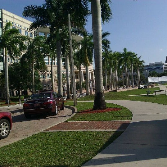 Photo taken at NSU: Alvin Sherman Library by James C. on 4/8/2011