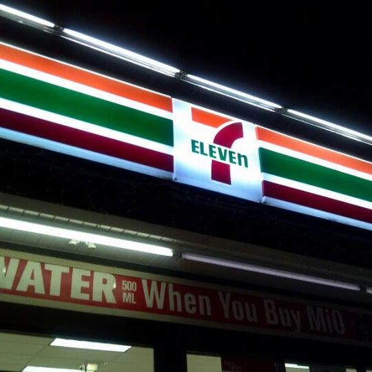Eleven Cafe Chicago