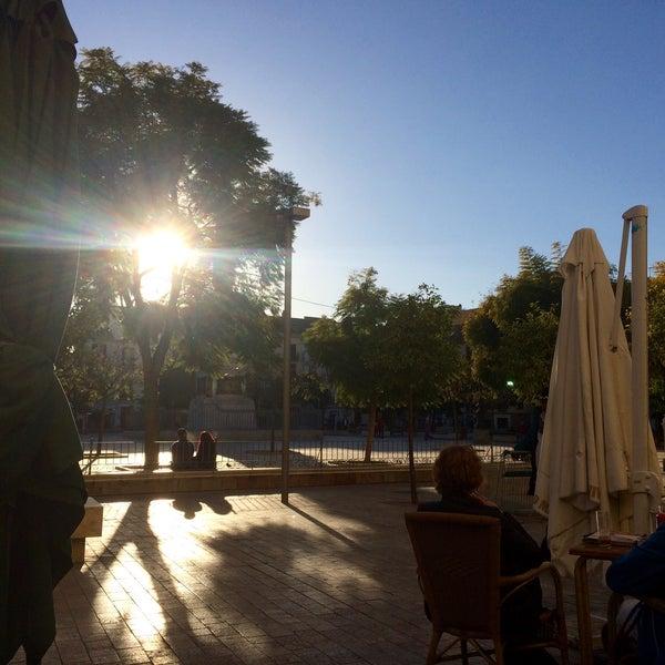 1/12/2017 tarihinde Hannah W.ziyaretçi tarafından Café con Libros'de çekilen fotoğraf