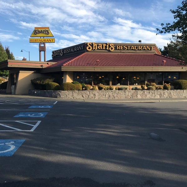 Photo taken at Shari's Cafe and Pies by Trista R. on 10/4/2017