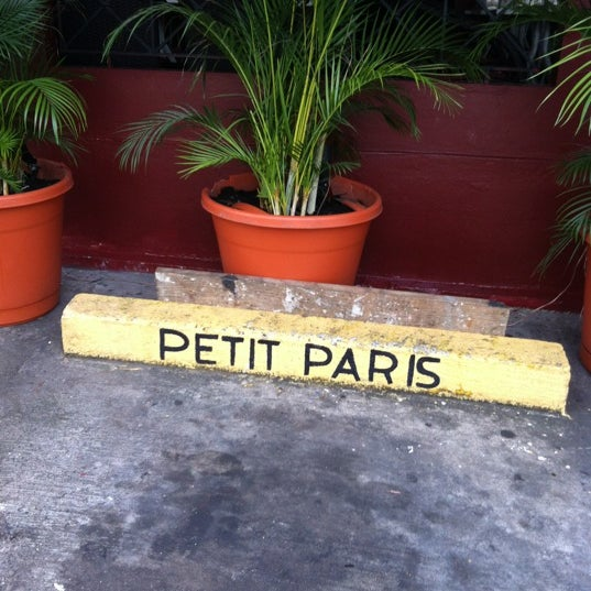 Foto tomada en Petit Paris por Armando M. el 11/30/2012