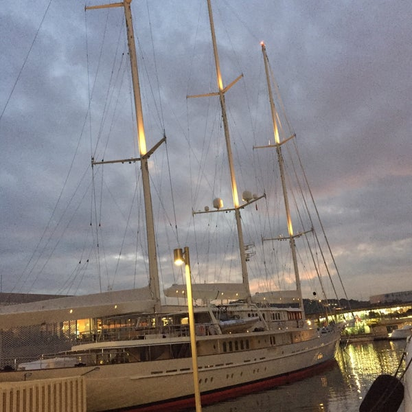 Photo taken at OneOcean Port Vell Barcelona by Thierry O. on 11/13/2016
