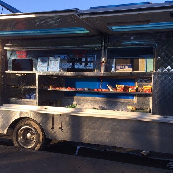 Photo taken at Angelica's Taqueria Taco Truck by Jared S. on 5/11/2014
