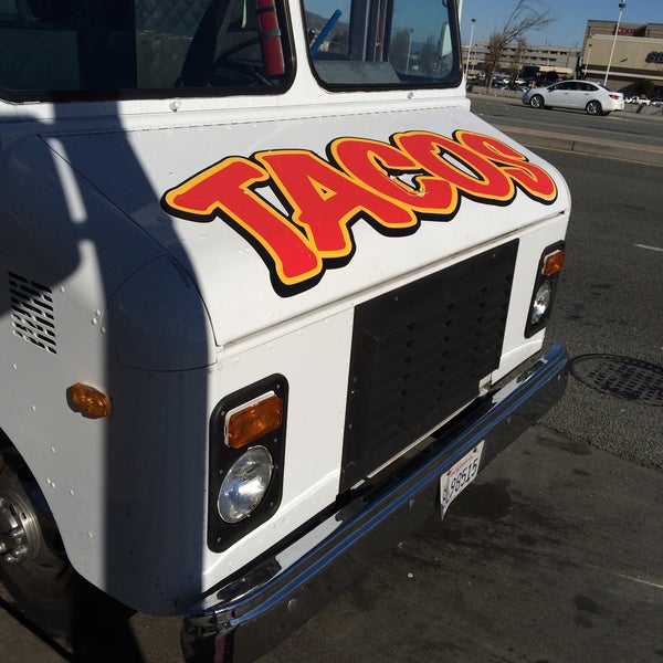 Photo taken at Angelica's Taqueria Taco Truck by Jared S. on 1/1/2015