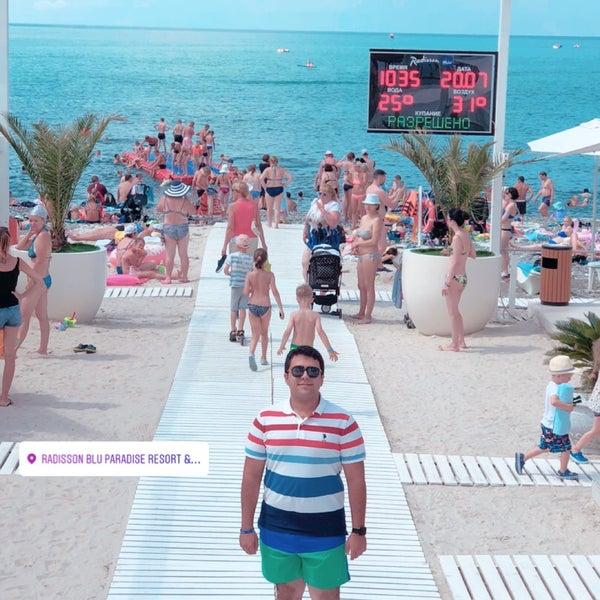 Снимок сделан в Radisson Blu Resort Beach пользователем Mahdi H. 7/20/2018