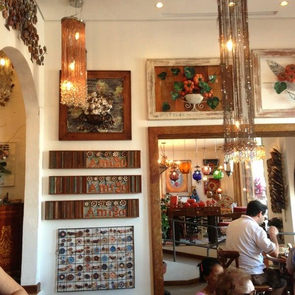 Foto tirada no(a) Florbela Café por Edson P. em 9/14/2013