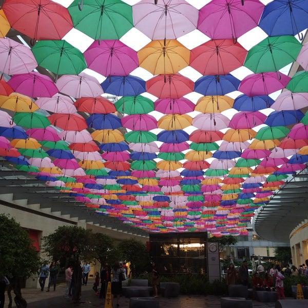 Foto tomada en Antara Fashion Hall por Fer G. el 6/21/2015