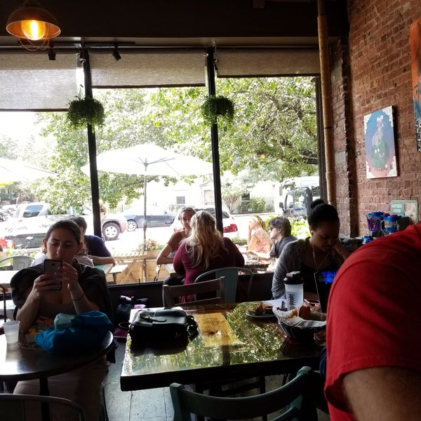 Photo taken at PLG Coffee House and Tavern by Fil B. on 8/20/2017