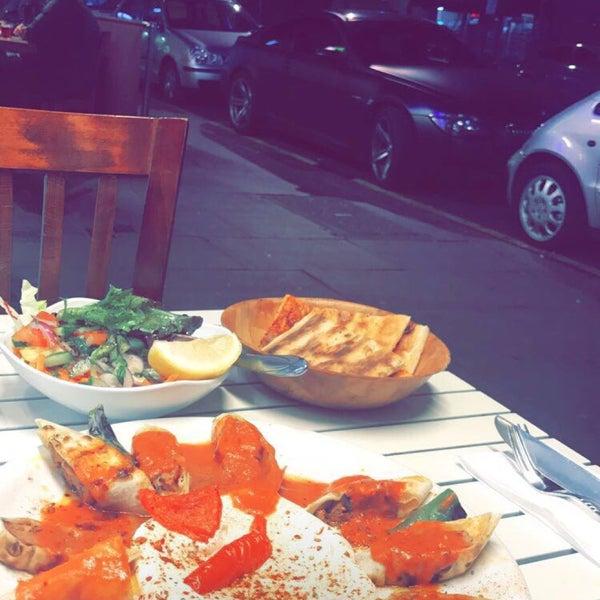 9/17/2017 tarihinde Mohammed N.ziyaretçi tarafından Hala Restaurant'de çekilen fotoğraf