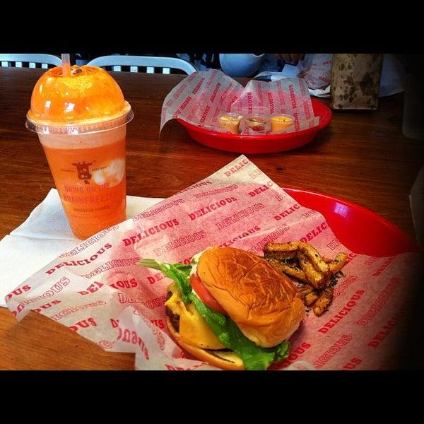 Das Foto wurde bei Good Stuff Eatery von Nae S. am 11/3/2012 aufgenommen