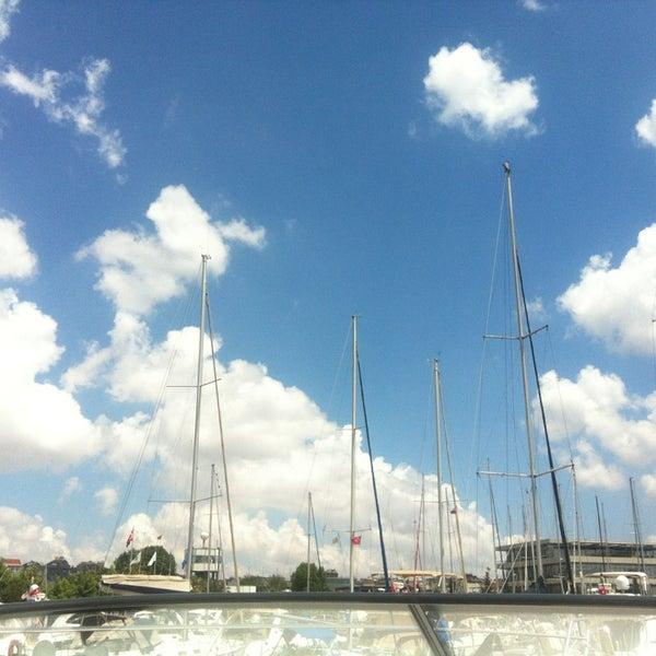 6/9/2013 tarihinde Arzu K.ziyaretçi tarafından Ataköy Marina'de çekilen fotoğraf