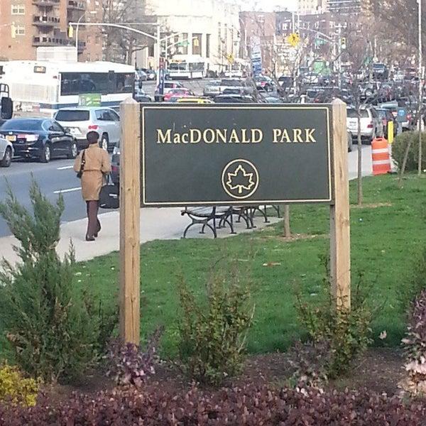 Das Foto wurde bei MacDonald Park von Adam P. am 4/15/2013 aufgenommen