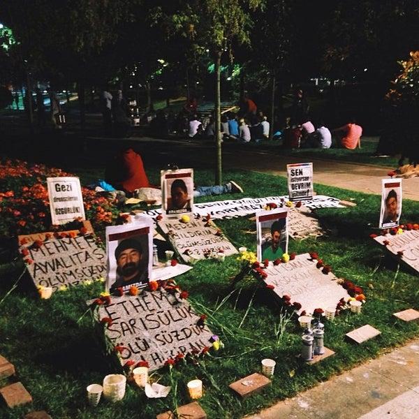 7/10/2013にErdem Ç.がTaksim Gezi Parkıで撮った写真