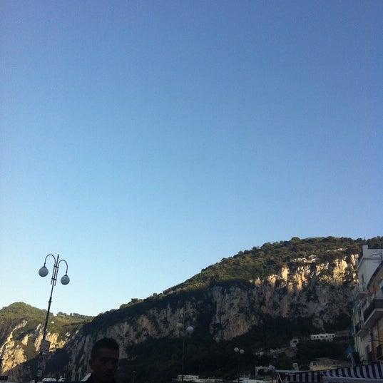 Foto scattata a Marina Grande da Sevgul O. il 10/23/2012