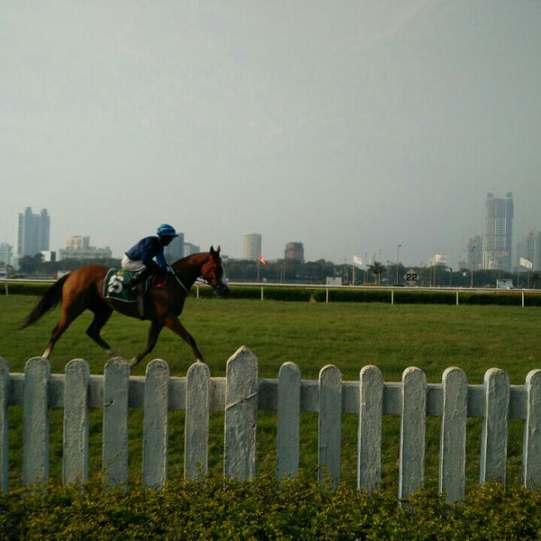 Photo taken at Mahalaxmi Race Course (Royal Western India Turf Club) by Deepak K. on 2/28/2016