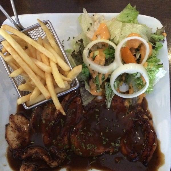 Photo taken at LeBOSS Restaurant by Khadijah H. on 9/25/2016