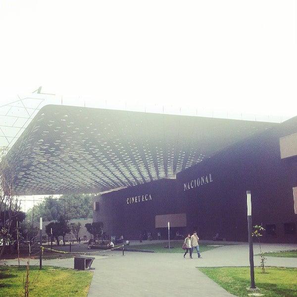 Foto tomada en Cineteca Nacional por Brenda Hali el 5/10/2013