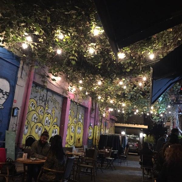 10/30/2016 tarihinde Gülperi C.ziyaretçi tarafından Pan Karaköy'de çekilen fotoğraf
