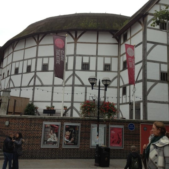 Photo taken at Shakespeare's Globe Theatre by Marina P. on 10/5/2012