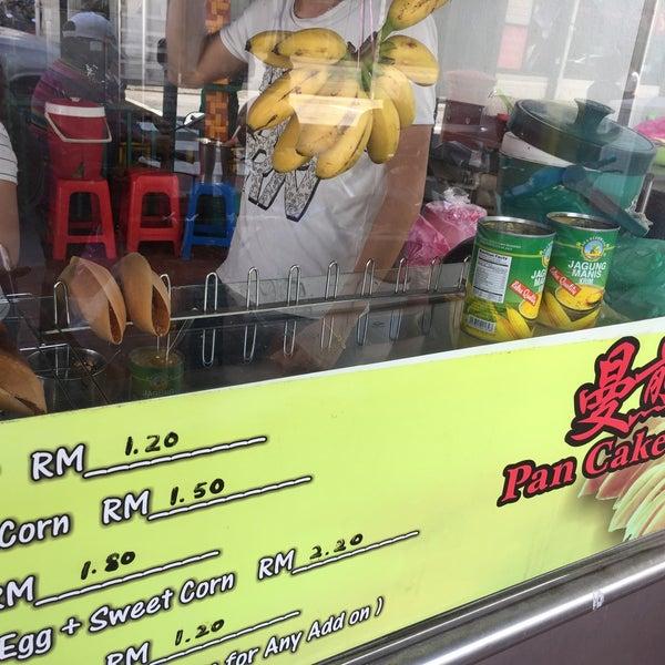 Photo taken at Sri Weld Food Court by Solomiya N. on 1/10/2018