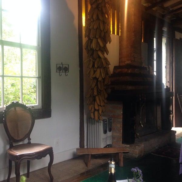 Foto tirada no(a) Ronco do Bugio Pouso e Gastronomia por Deborah L. em 6/15/2014