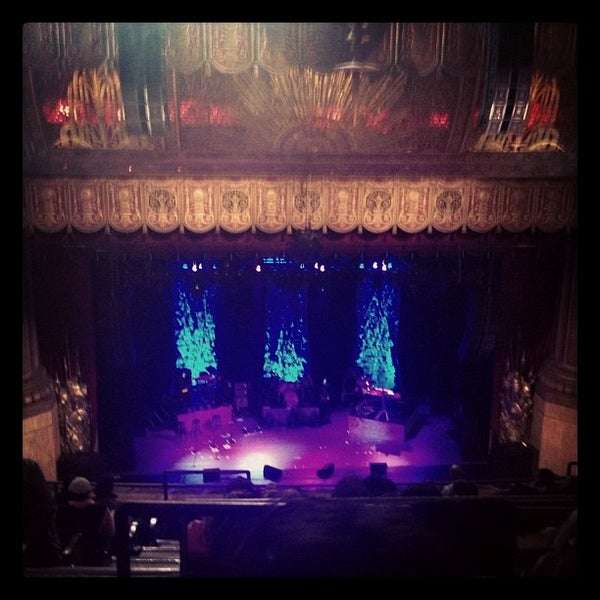รูปภาพถ่ายที่ Beacon Theatre โดย Tohm S. เมื่อ 9/14/2012