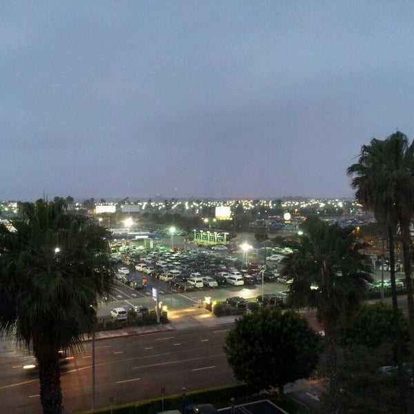 Photo taken at Four Points by Sheraton Los Angeles International Airport by Beatriz C. on 4/15/2013