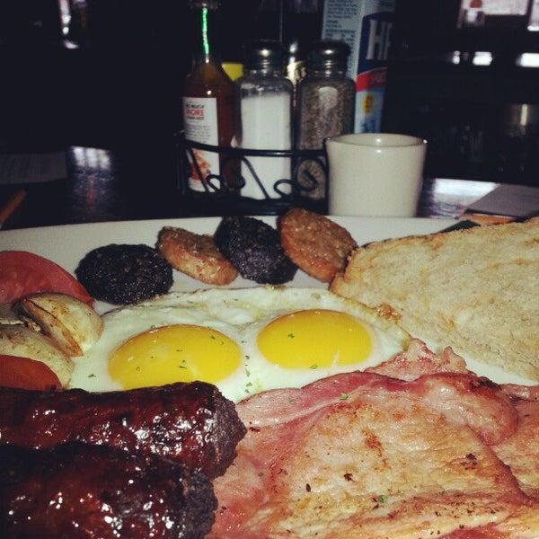 Photo taken at Fado Irish Pub & Restaurant by Jonathan G. on 3/3/2013