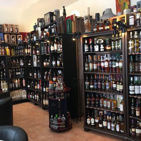 Mae Wein & Whisky - Liquor Store in Düsseldorf