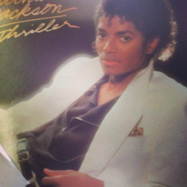 3/10/2013에 Adam J.님이 Mojo Vinyl에서 찍은 사진