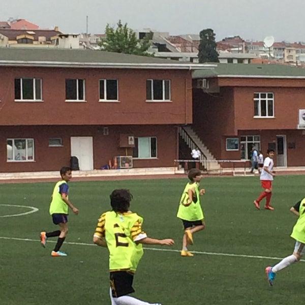 6/10/2015 tarihinde Demet K.ziyaretçi tarafından Fenerbahce Spor Okulları'de çekilen fotoğraf