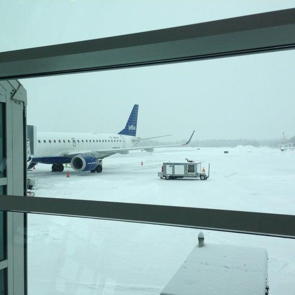 Foto tomada en Burlington International Airport (BTV) por Jay R. el 2/8/2013