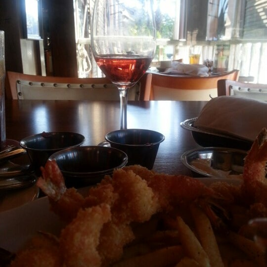 Photo taken at Pappadeaux Seafood Kitchen by Stephanie S. on 2/8/2013