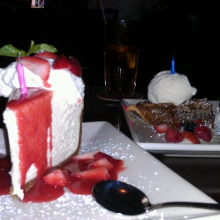 Photo taken at Pappadeaux Seafood Kitchen by Stephanie S. on 10/16/2012