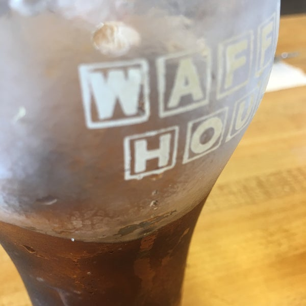 Photo taken at Waffle House by Myers B. on 8/22/2017
