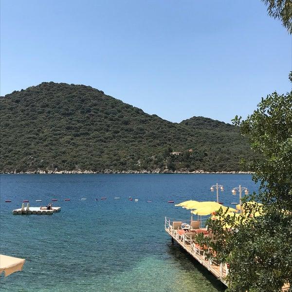 Das Foto wurde bei Olympos Mocamp Beach Club von Imran Ç. am 6/3/2018 aufgenommen
