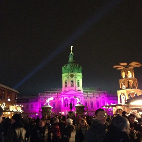 Photo taken at Weihnachtsmarkt vor dem Schloss Charlottenburg by Natalie M. on 12/9/2012