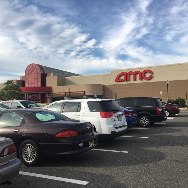 Photo taken at AMC Loews Brick Plaza 10 by Andy S. on 5/30/2017