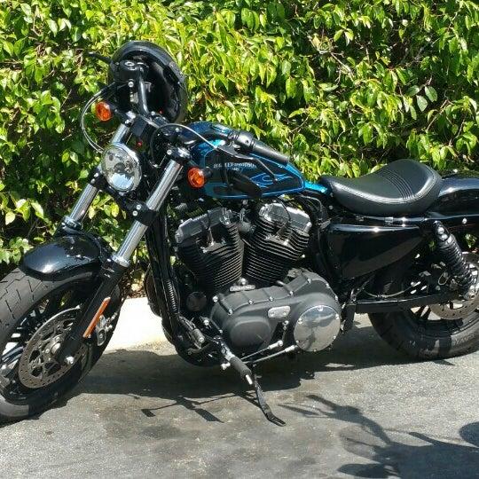 Foto tomada en Riverside Harley-Davidson por Chris E. el 3/19/2016