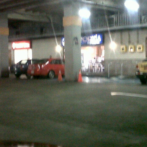 Foto tirada no(a) Mall del Sur por Pedro O. em 5/21/2013