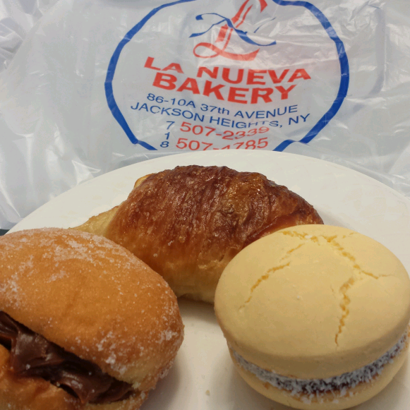 A delicious bakery with some amazing south american treats, lots of dulce de leche, membrillo are often items, I always have to get some alfajores from there