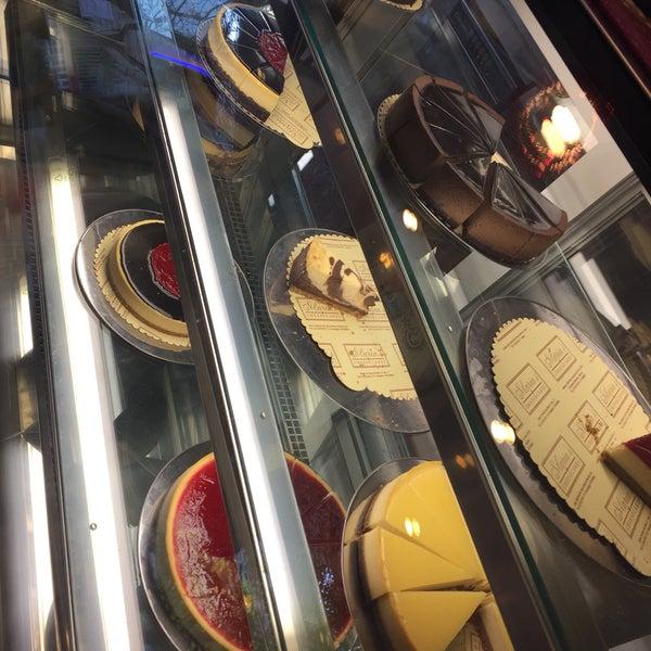 4/14/2017 tarihinde NazLı C.ziyaretçi tarafından Maria's Cheesecakes'de çekilen fotoğraf
